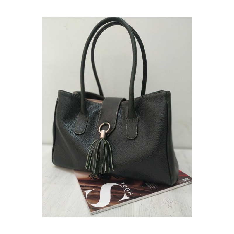 Daily use leather handbag