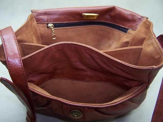Customer leather bag service